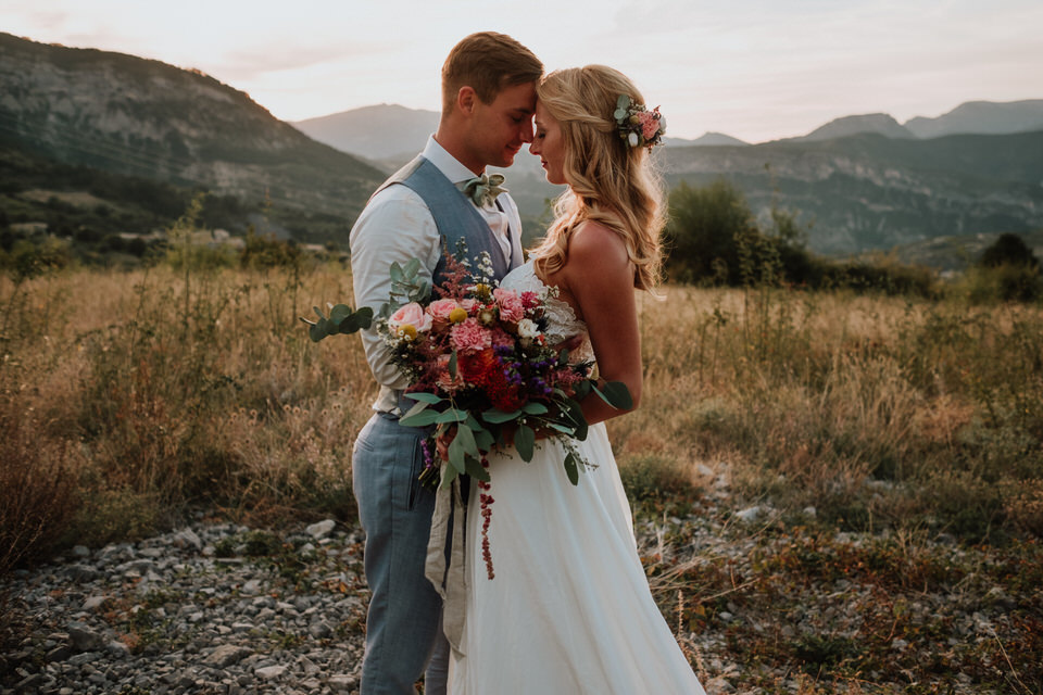 Heiraten im Ausland. Für viele ein Traum, den sich Kathi und Michel in der Provence erfüllt haben