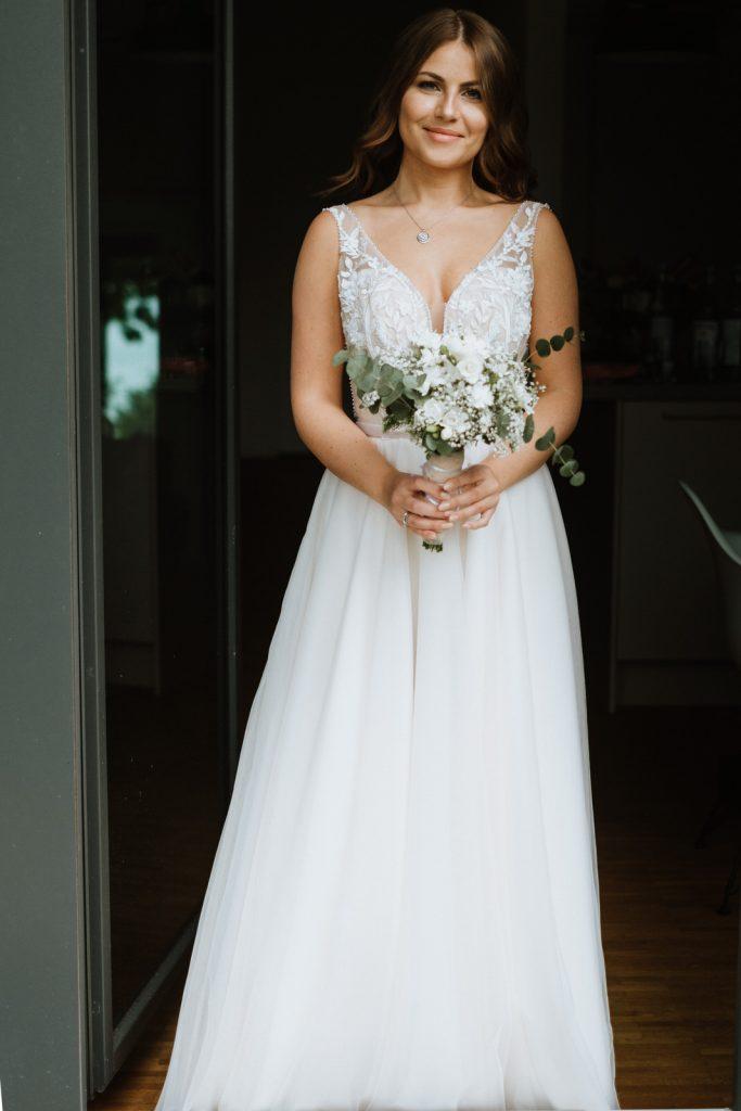 Wunderschöne Braut bei einer Hochzeit in der Hafenkäserei in Münster